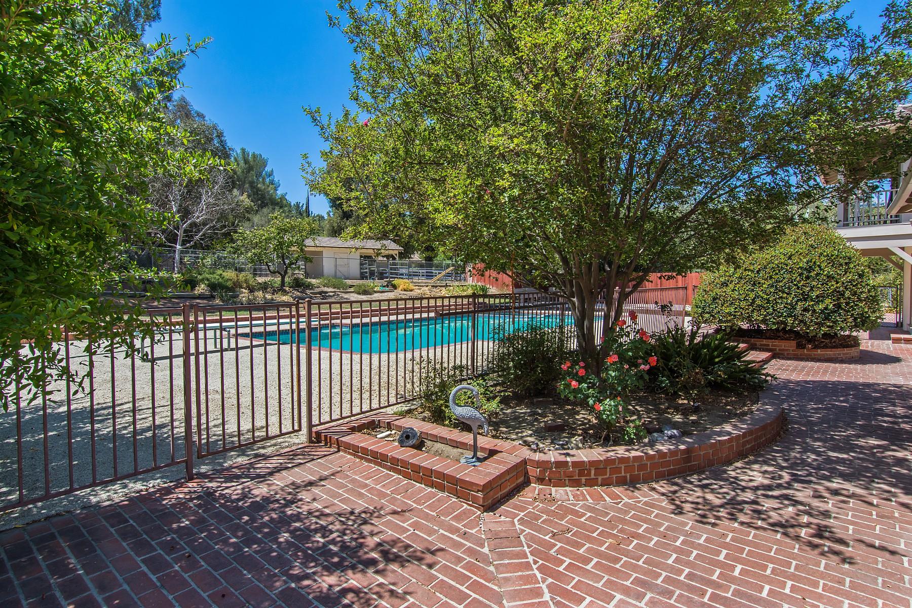 5303 Round Meadow Road, Hidden Hills, CA 91302