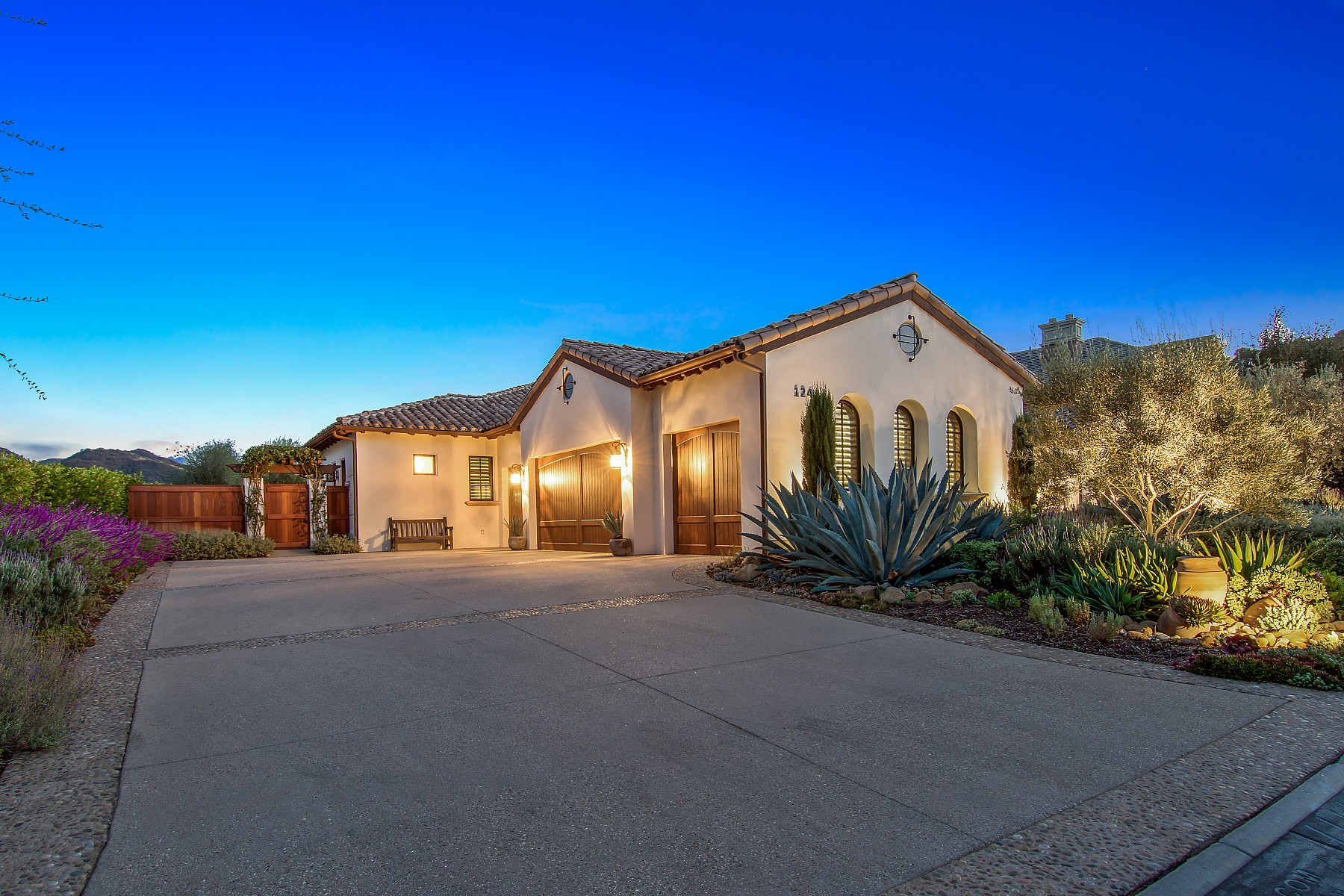 124 Hampstead Court, Westlake Village, CA 91361