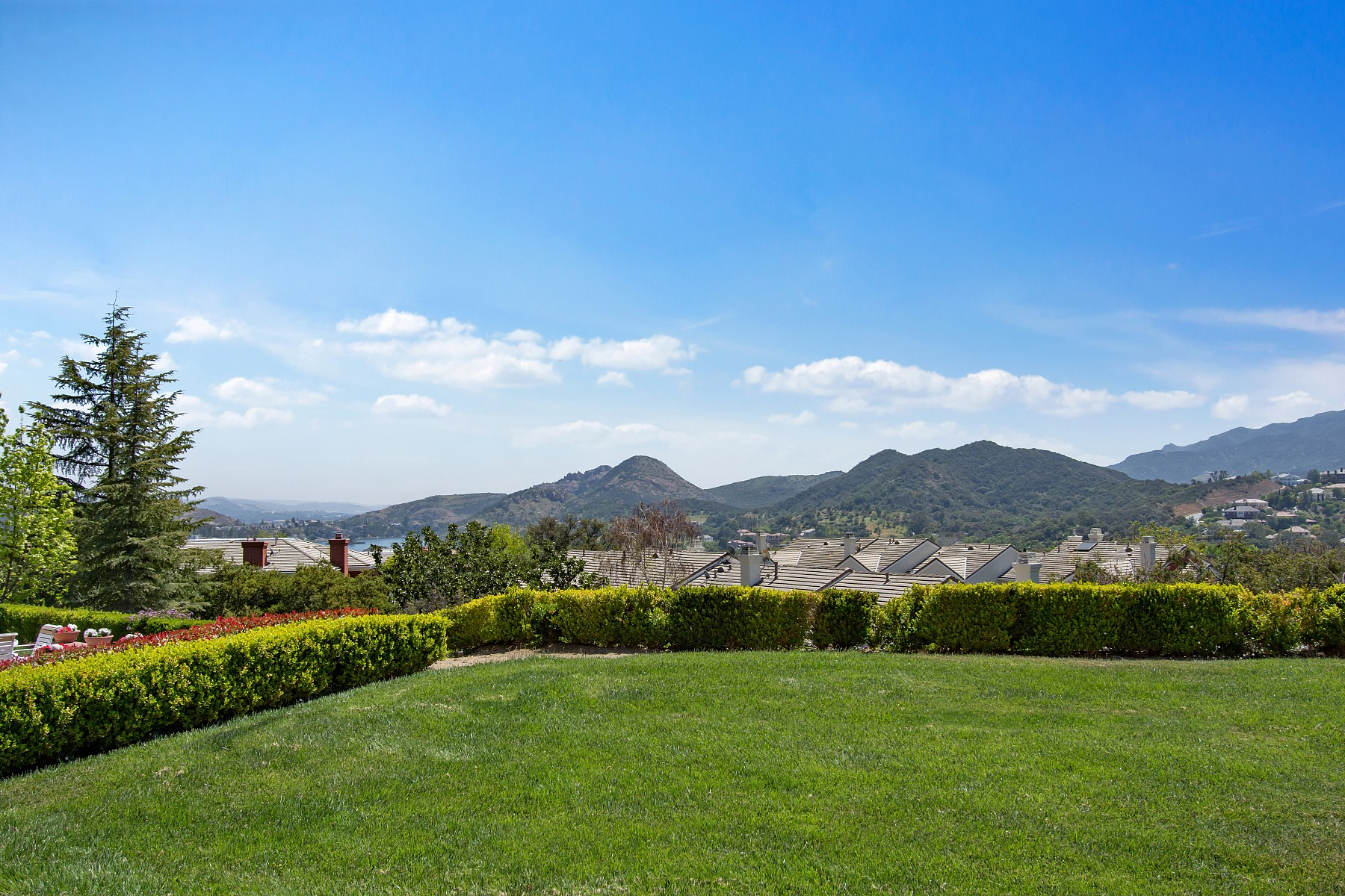 2412 Waldemar Drive, Thousand Oaks, CA 91361