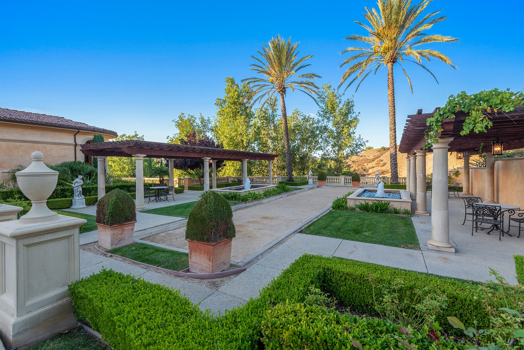 1233 Woodland Grove Court, Westlake Village, CA 91362