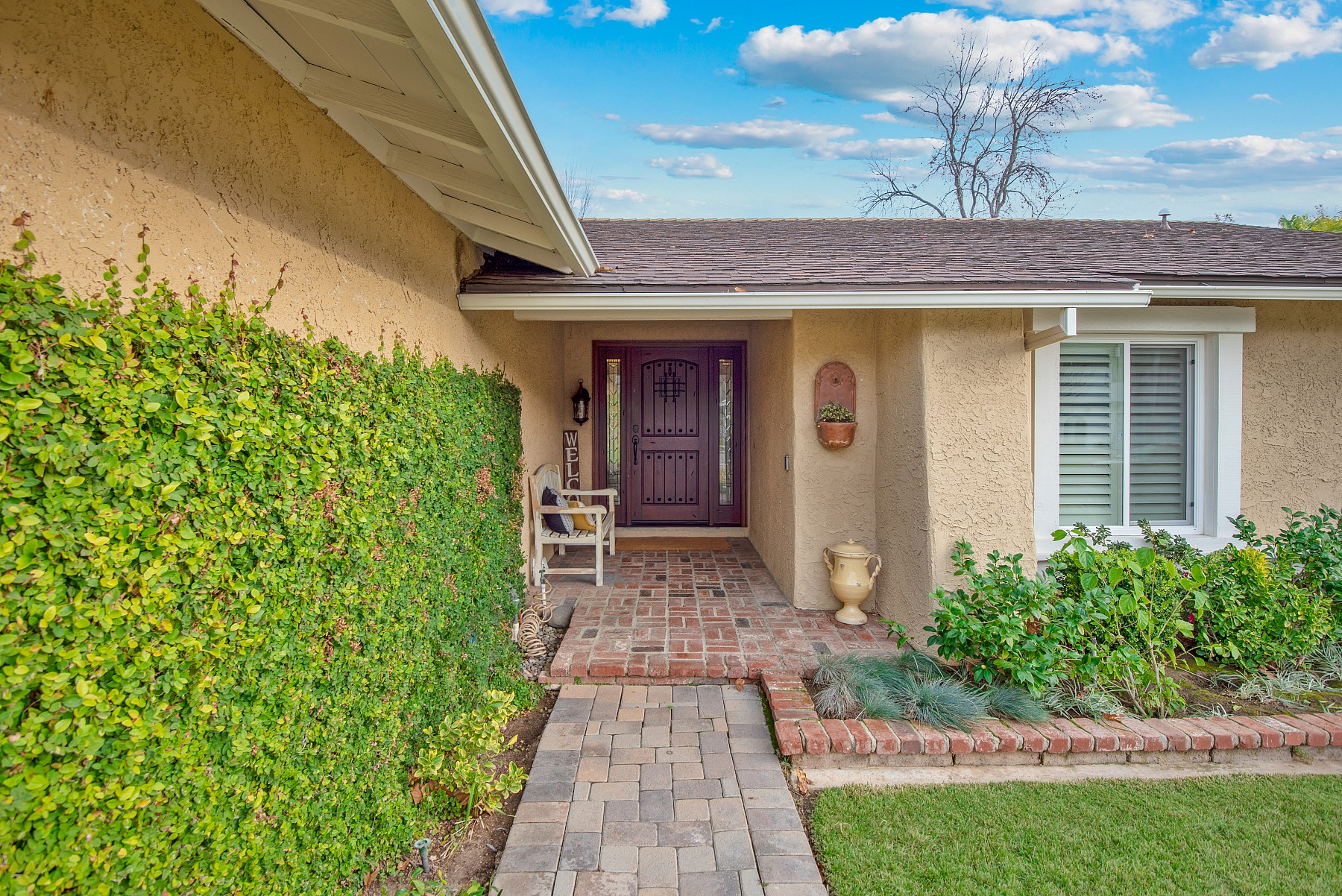 254 Park View Drive, Oak Park, CA 91377