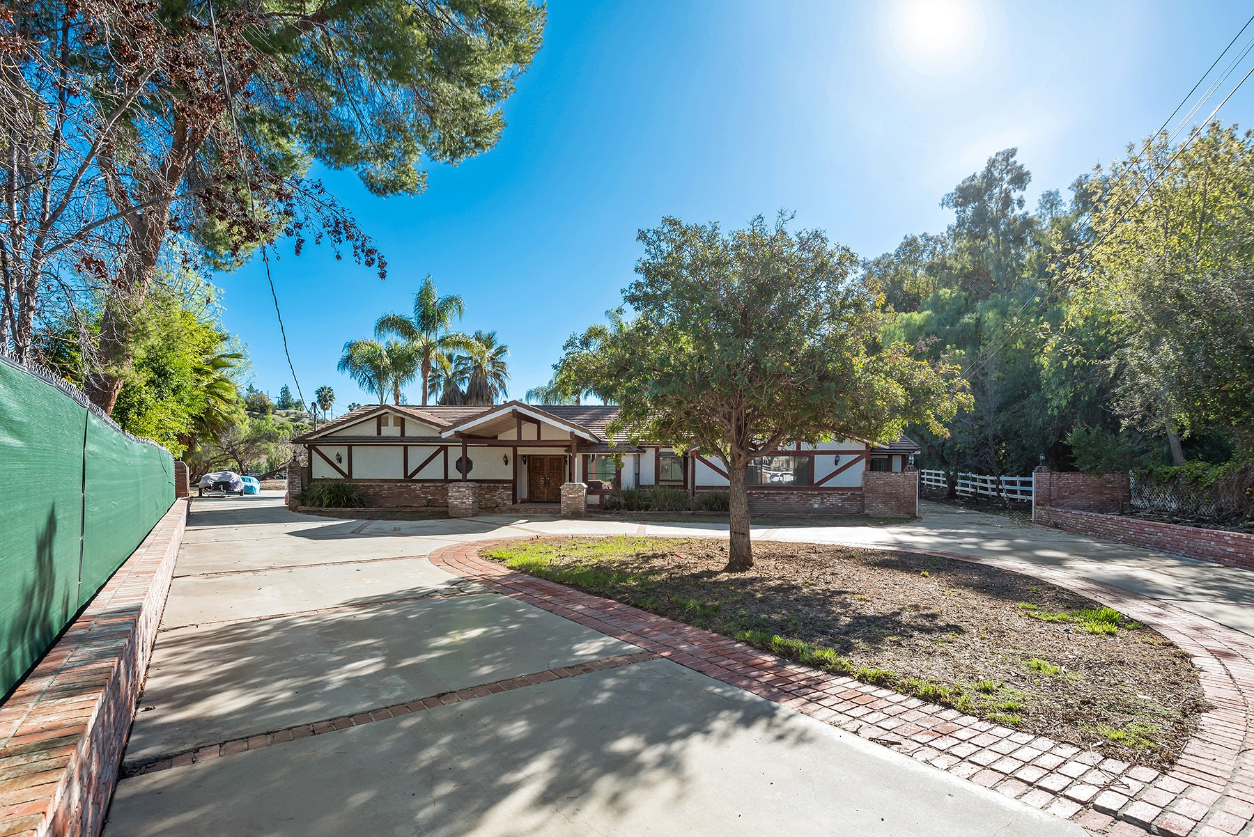 5546 Paradise Valley Road, Hidden Hills, CA 91302