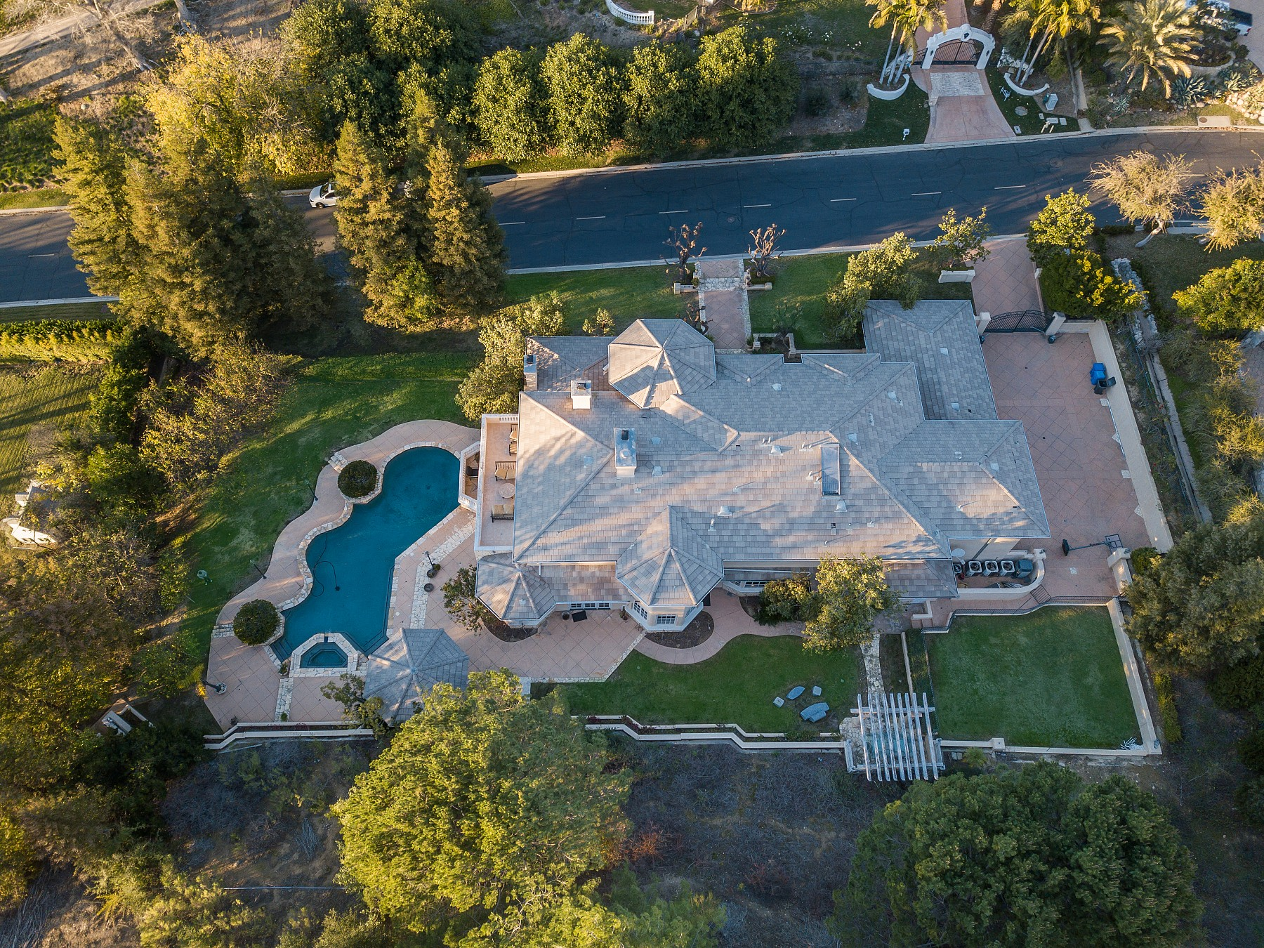 1135 Country Valley Road, Westlake Village, CA 91362