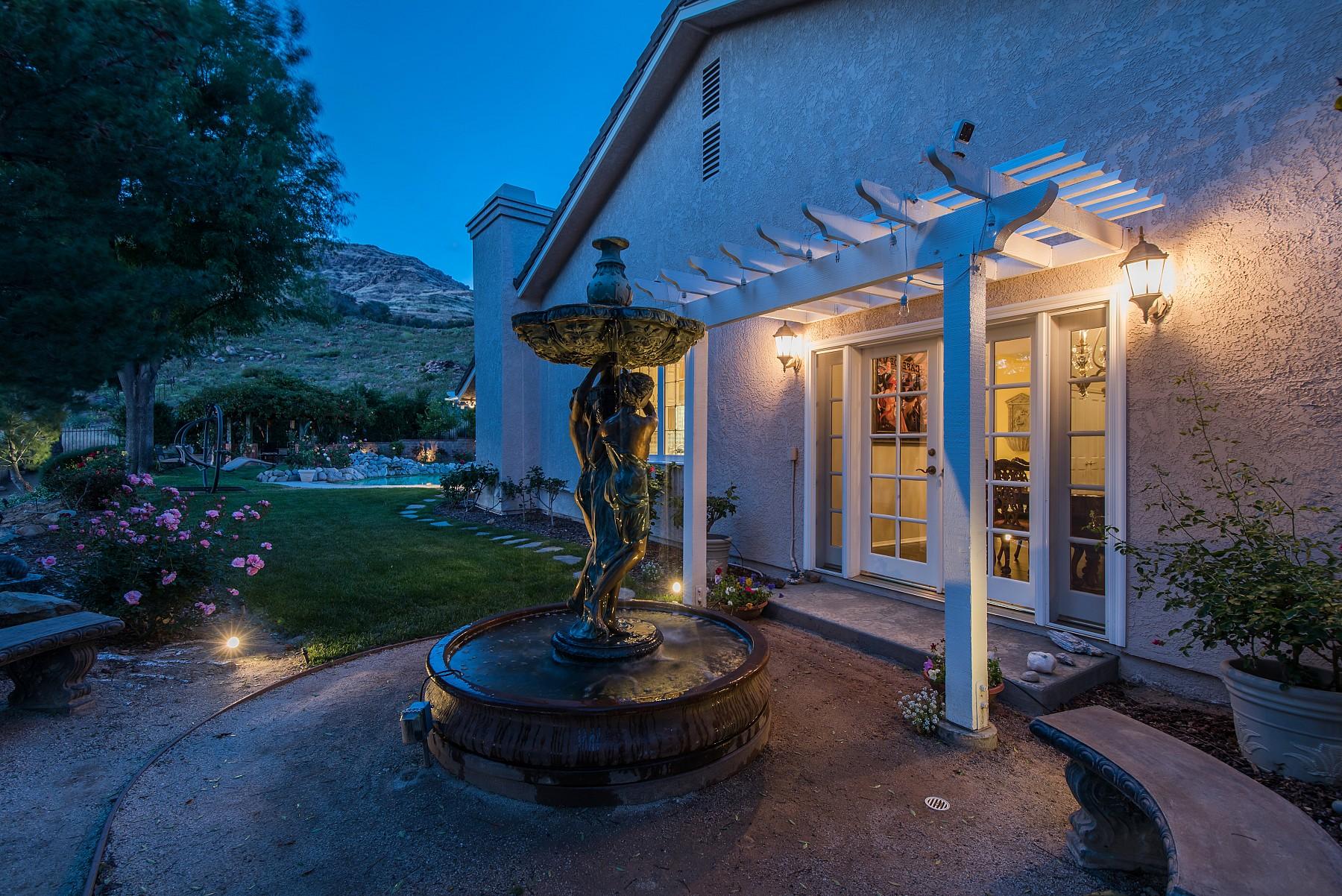 4915 Rock Castle Court, Oak Park, CA 91377