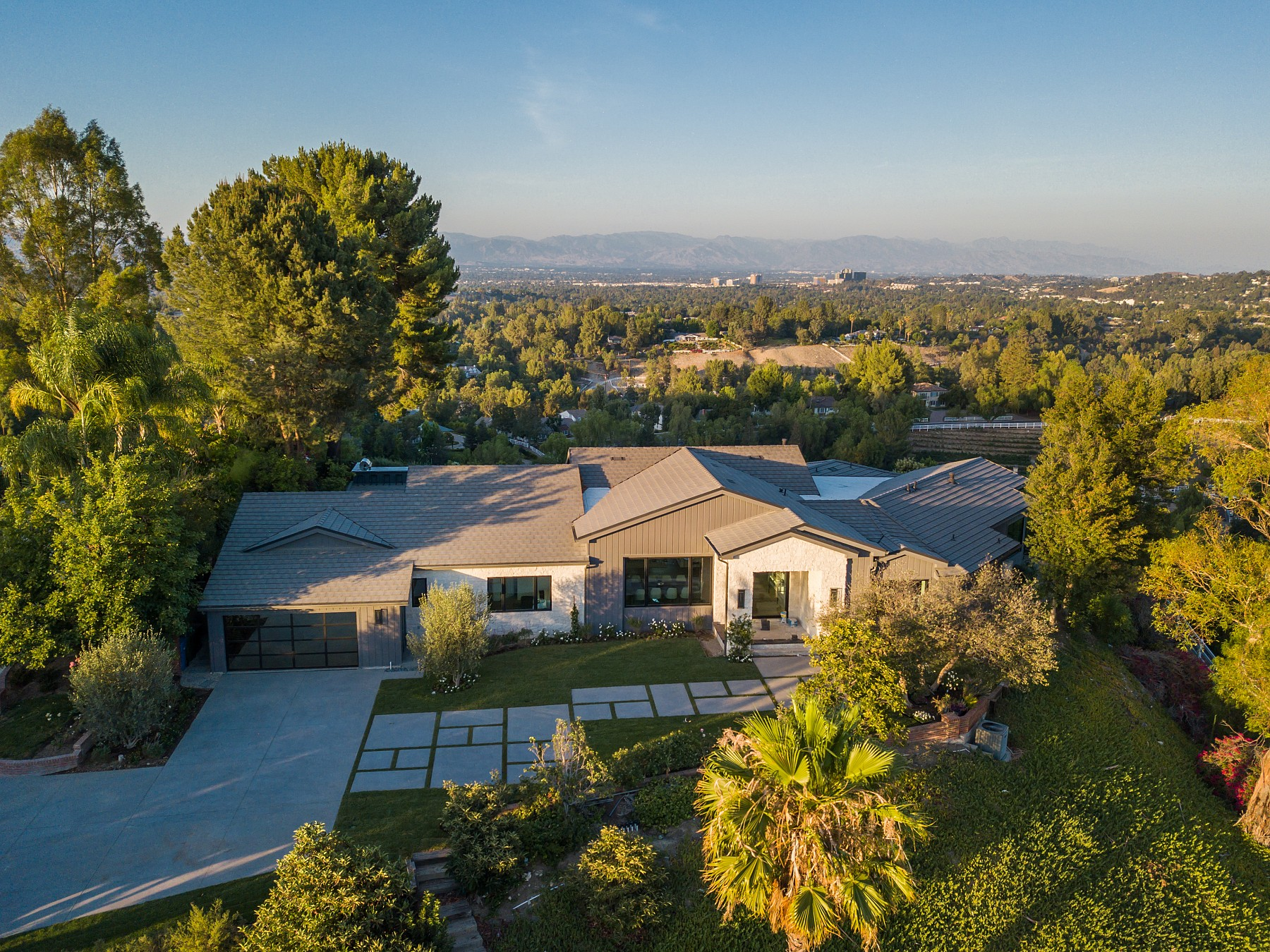 5550 Bonneville Road, Hidden Hills, CA 91302