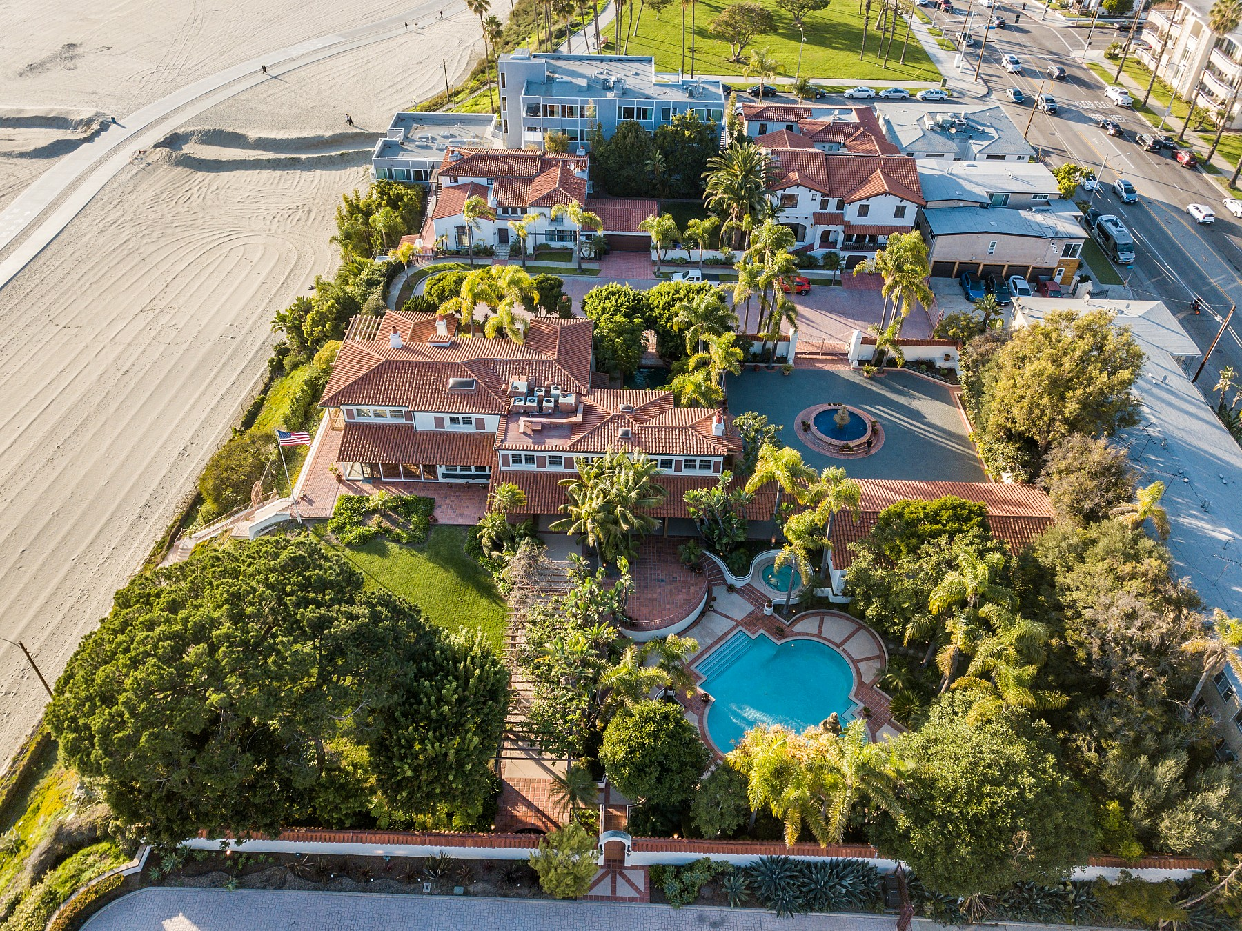 20 37TH Place, Long Beach, CA 90803