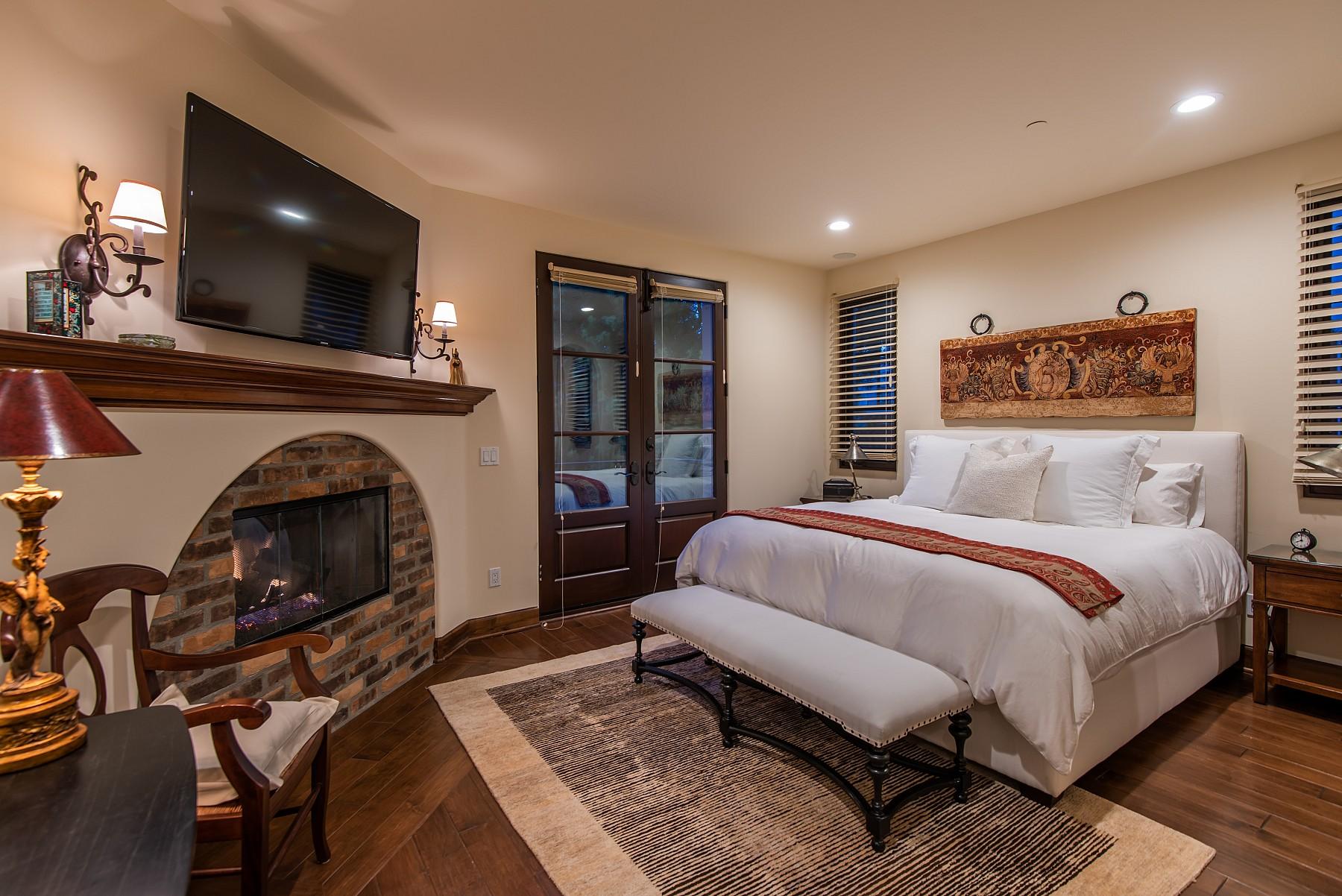 328 Lake Sherwood Drive, Westlake Village, CA 91361