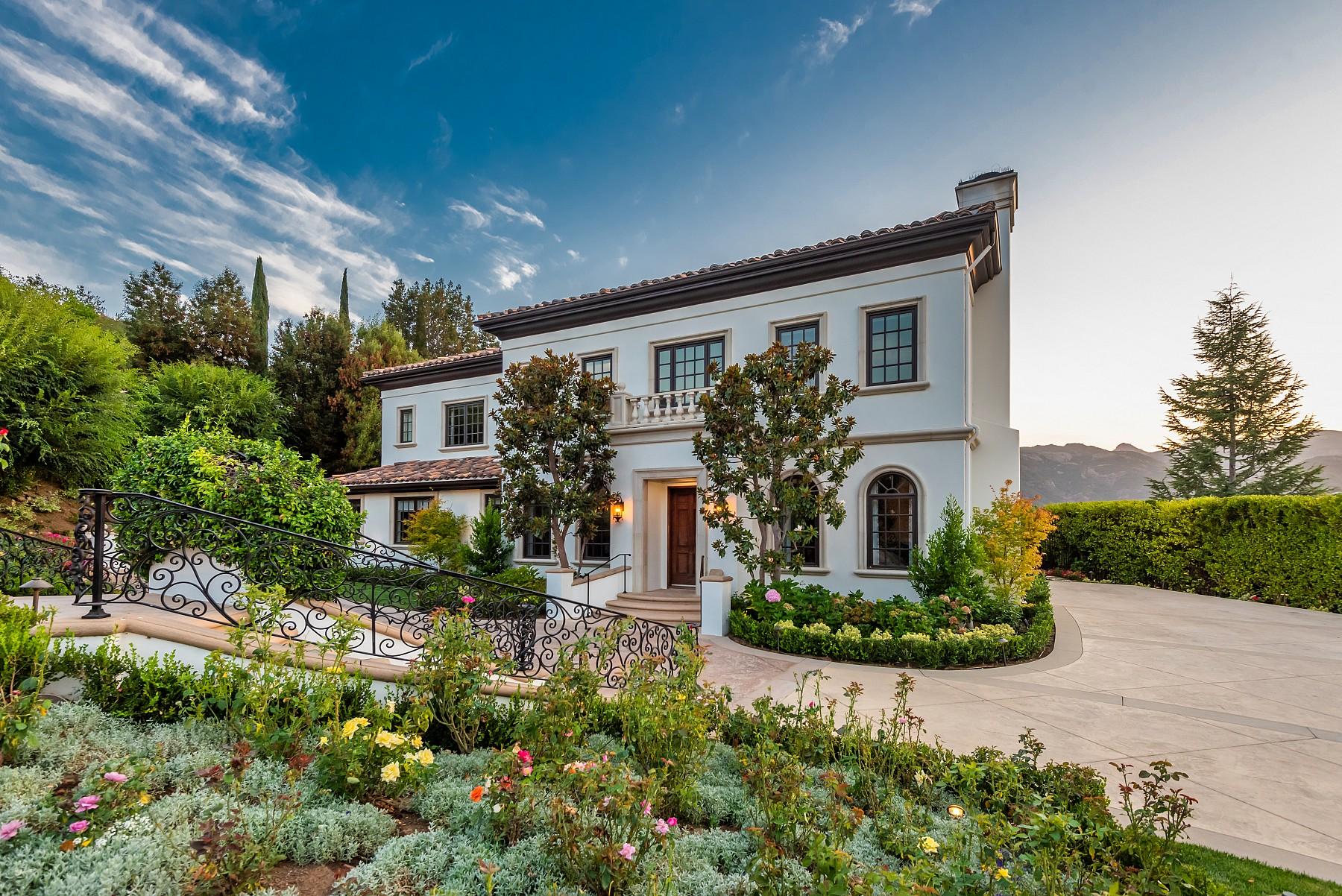 148 Queens Garden, lake sherwood, CA 91361