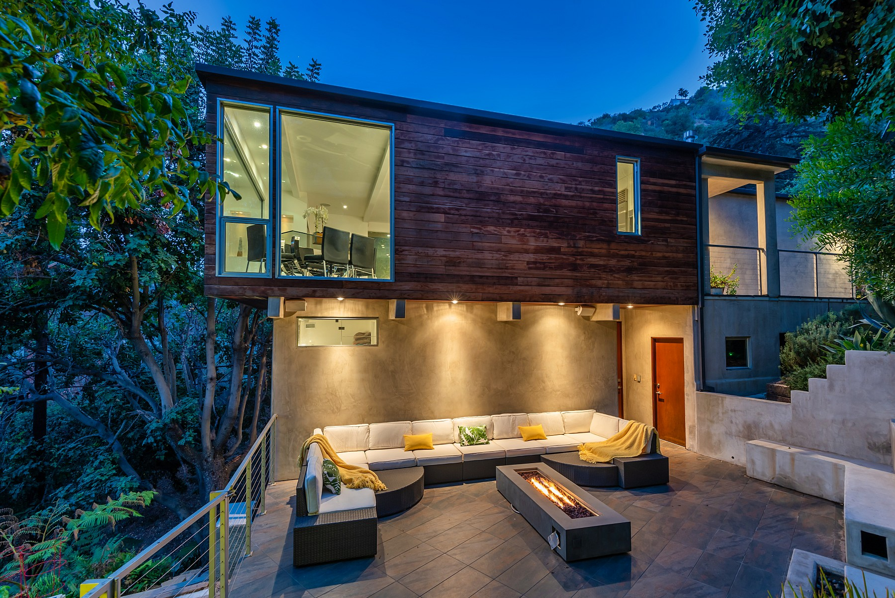 8121 Gould Ave, Los Angeles, CA 90046