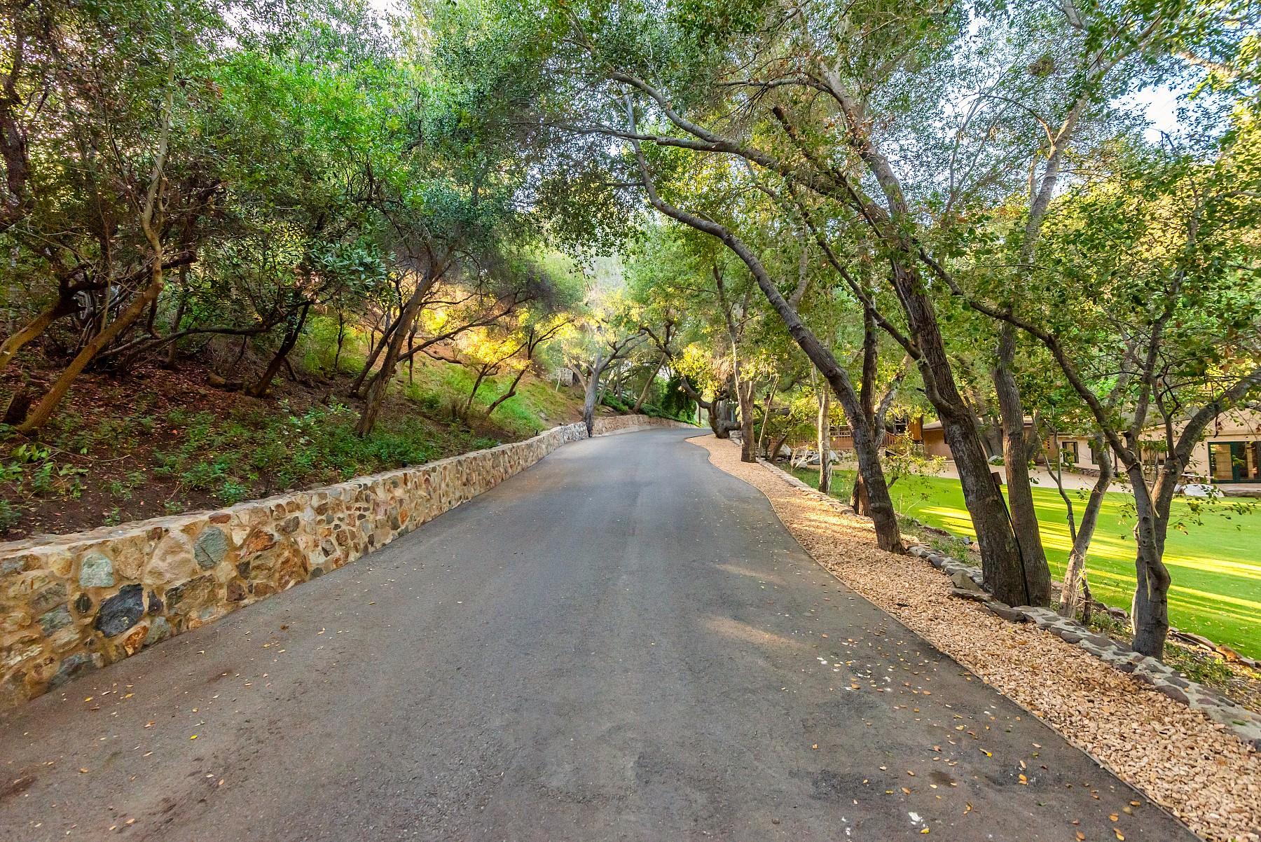 3272 Triunfo Canyon Road, Agoura Hills, CA 91301