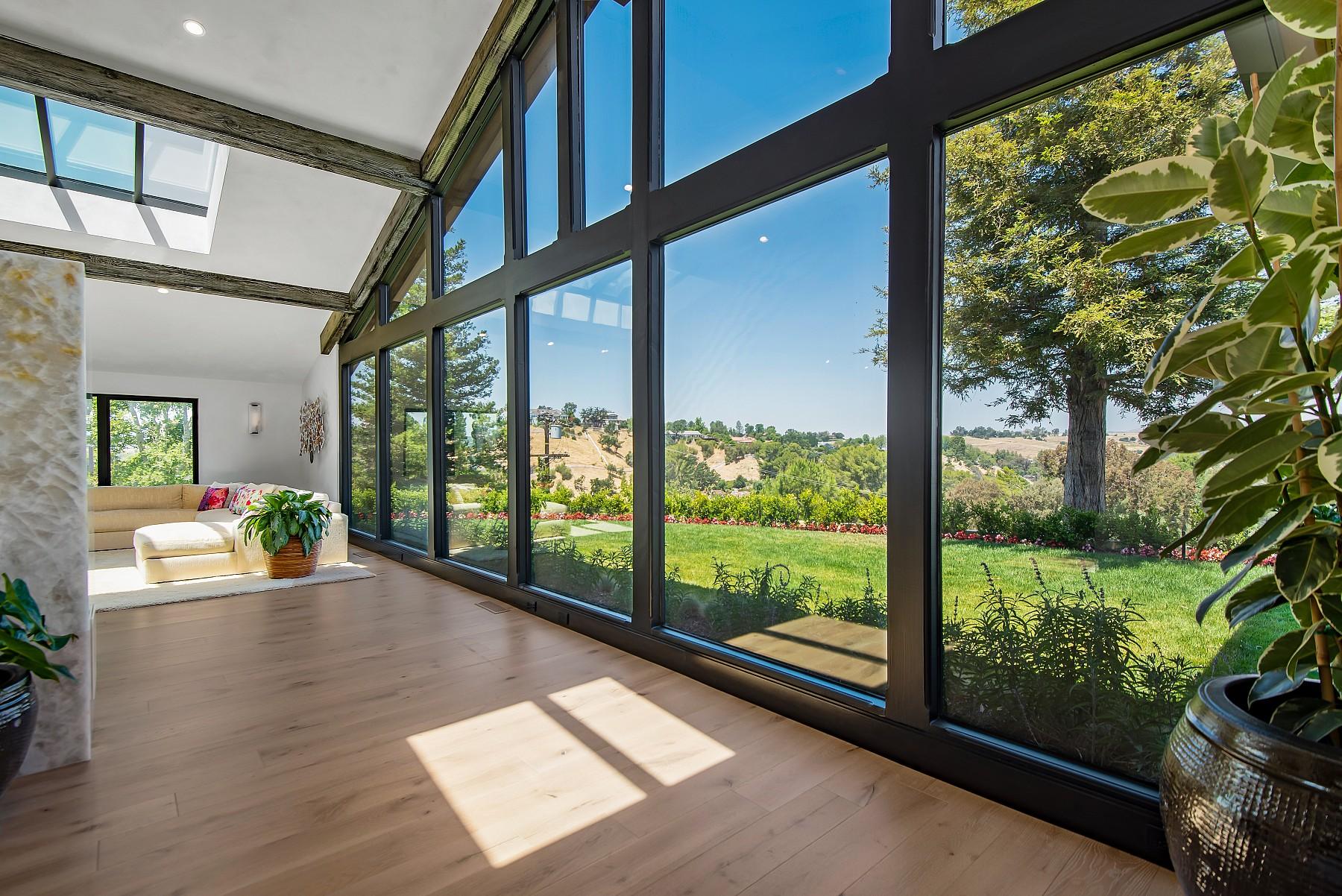 5560 Bonneville Rd, Hidden Hills, CA 91302