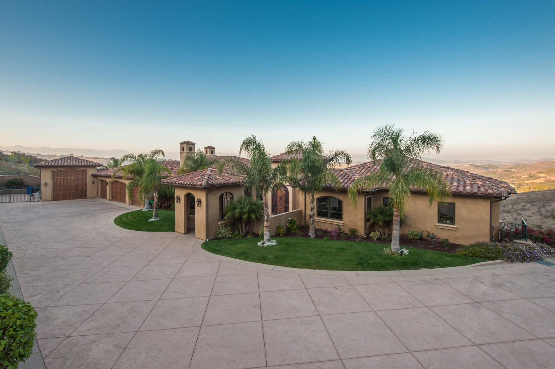 355 Briar Bluff Circle, Thousand Oaks, CA 91360